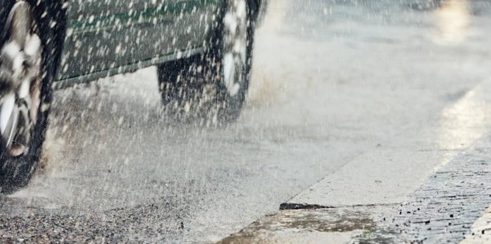 Comment conduire sous la pluie ?